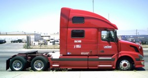 Volvo_bobtail_semi-truck